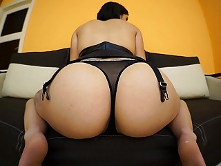 MIRA CUCKOLD - Worship my fat booty